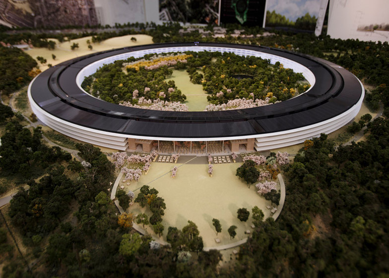 Apple Architecture HQ Design Foster Partner Cupertino Engineering