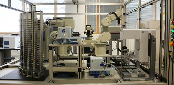 robot, scientist, drugs, medicine
