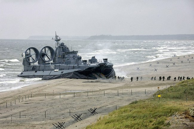 hovercraft, military, fuel, future, engine, cost, soviet, us, fan