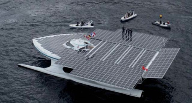 World 39 S Largest Solar Powered Boat