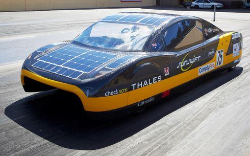 students build record breaking solar electric car. Black Bedroom Furniture Sets. Home Design Ideas