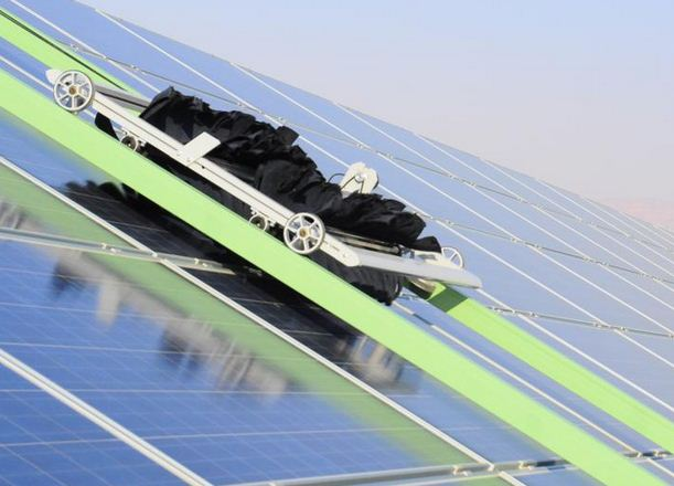 A Robot That Cleans Solar Panels Gt Engineering Com